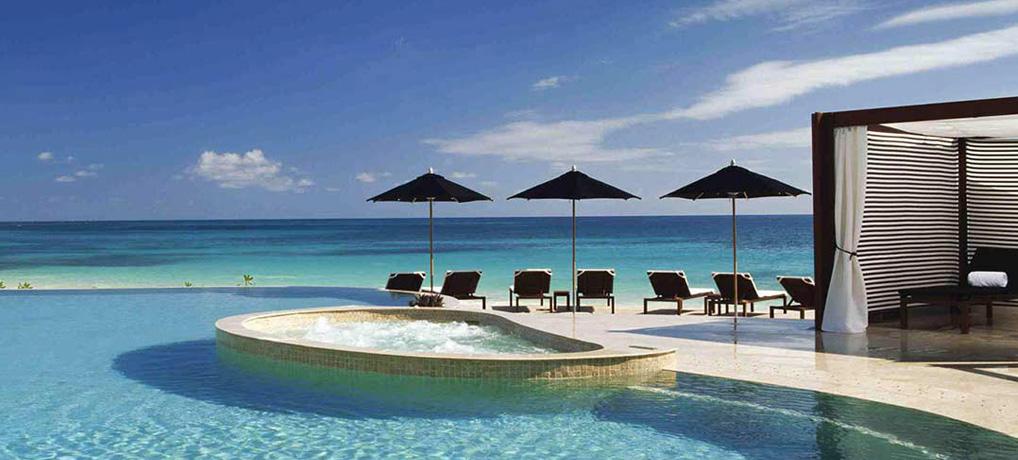 Enjoy beautiful view in Cancun, book your transportation